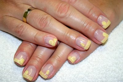 nailart stamping yellow - www.pe-le.at