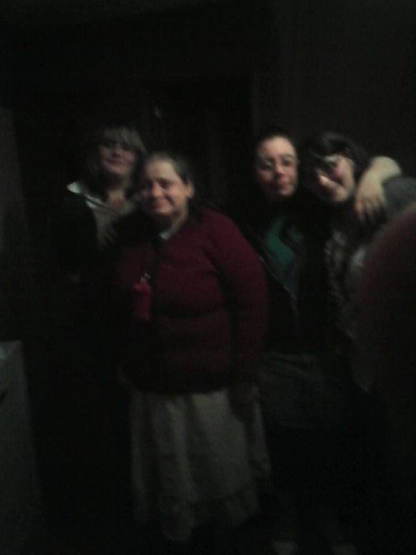 mes deux belle soeur et ma femme et ma belle merre