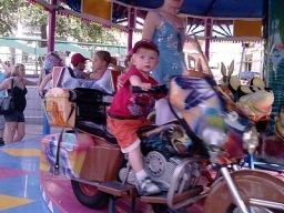 mon fils sur sa moto