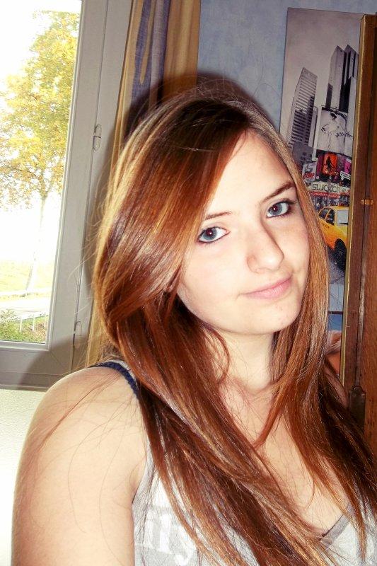 Mlle Gwendo ~ 16ans ~ Lycéenne en 1ère ST2S .