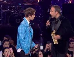 NRJ Music Awards 2012 : Justin Bieber, il reçoit son prix d'honneur !