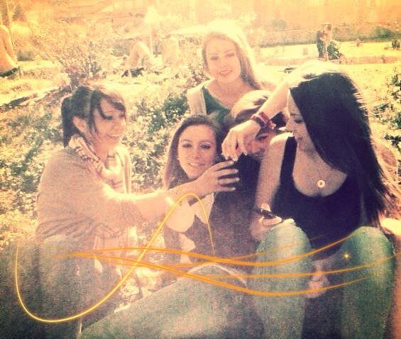La vie peut être belle , Je l'ai appris grâce à elles. Ma vie, mes meilleures Amies. <3