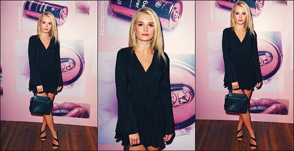• 19 Avril 2017 || La jeune mannequin à été photographier sortant d'une boutique puis dans les rues de Londres, UK. Le soir même, notre belle blonde, Lottie été à l'évènement de Missguided Launch à Soho toujours à Londres. Un top !  •
