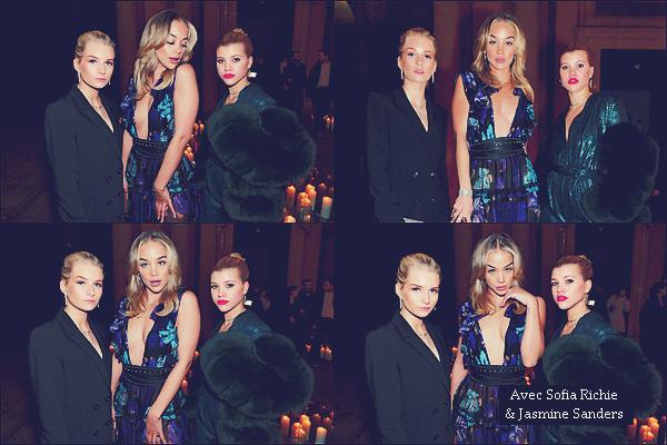 - 24/02/17 - C'est au Vogue & Place Vendome Party que Lottie était présente toujours à Milan en Italie. C'est accompagnée par ses amies Sofia Richie et Jasmine Sanders que Lottie était à l'évenement. Toujours en noir. Un top ! -