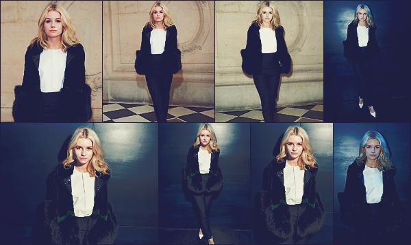 - 03/03/17 - C'est pour la Fashion Week que nous retrouvons notreLottie qui à assisté au défilé Dior à Paris. Cela faisait un moment que je n'avais pas vu Lottie en pantalon. Toujours accompagnée d'un manteau en fourrure. Un top. -