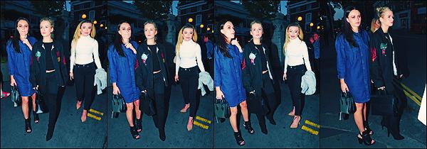 • 08 mai 2017 || C'est accompagnée que la belle à été vu sortant du restaurant « Bleu Bird »à Londres en Angleterre. Plus tard et dans une autre tenue, que la blonde à été photographier dans les rues toujours accompagnée par Emily. Un top !  •