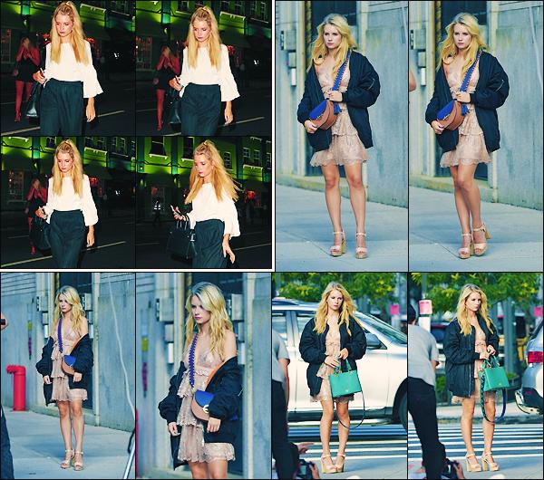 • 07 juillet 2017 || C'est sur le tournage d'un photoshoot pour une marque de sac à main que Lottie à été vu à NY City. Le 06 juillet, Miss Lottie Moss à été photographier quittant la boite de nuit « L'embargo » à Chelsea en Angleterre !  •