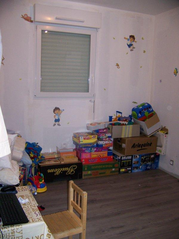 salle de jeux et chambre d 39 amis caropap1. Black Bedroom Furniture Sets. Home Design Ideas