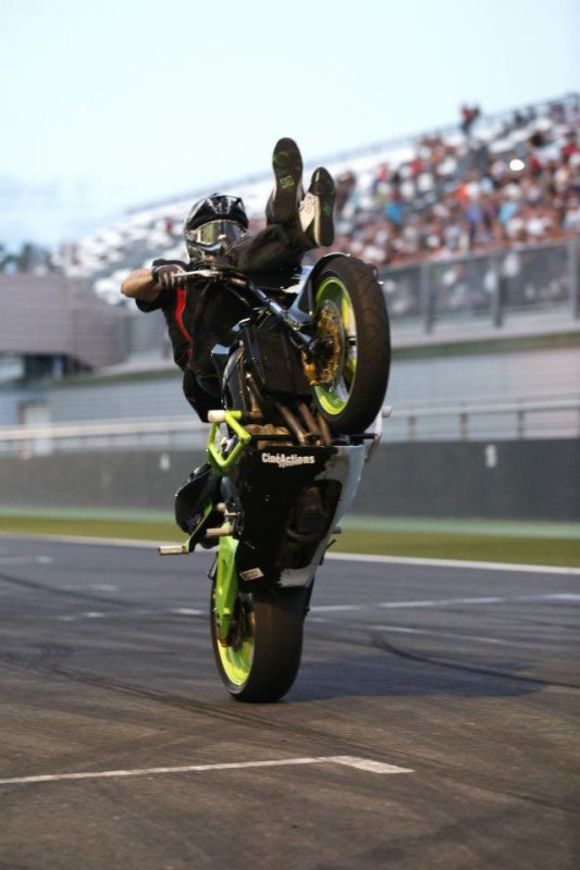 SHOW STUNT MAGNY COURS