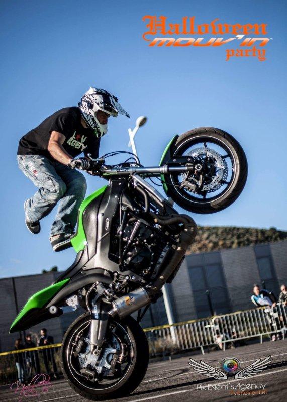 Fab stunt show