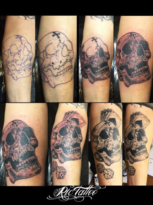 Ric Tattoo 06.19.88.58.27 / 04.91.50.80.04 /// Crane / Skull / Catres à jouer / Dés a jouer / Avant-bras.
