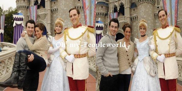 Le 19 Decembre 2010 Danielle and Kevin jonas étaient à Disney World et ont fêté leur 1 ans de mariage .