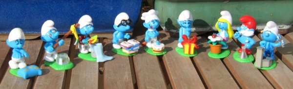 SERIE KINDER 2008 AVEC SES COPIES CHINOISES