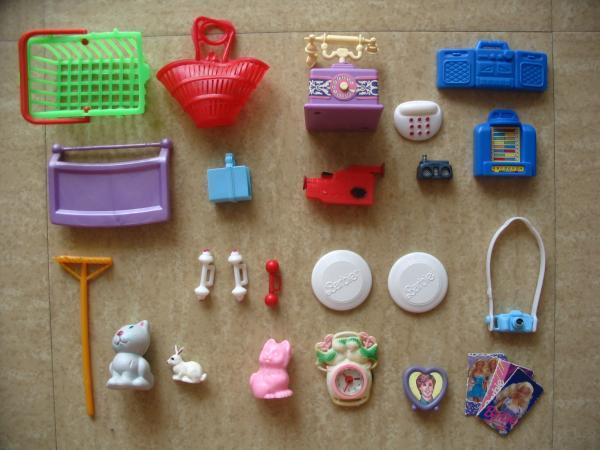 Maison de r ve barbie accessoires divers a vendre for Accessoires maison barbie
