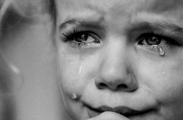 L'enfant qui pleure