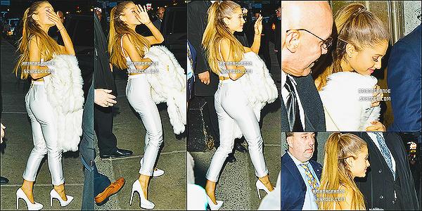 * 12/12/14 : Ari Grande a été vue arrivant au « Billboard Awards Women In Music » qui se tenait à New York.  Plus: D'autres stars étaient présentes, tels que: Taylor Swift, Charlie XCX et Jessie J. - J'aime la tenue d'Ariana G. C'est donc un joli top !*