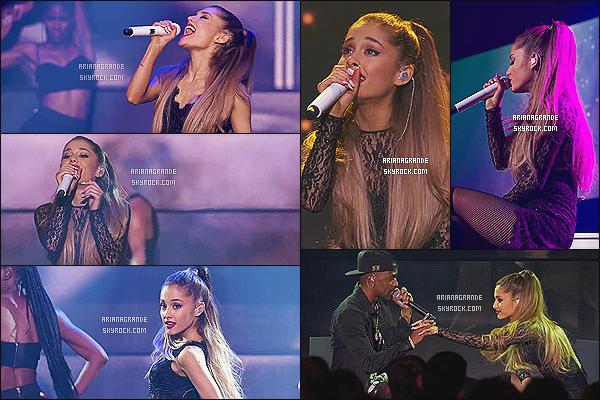 19/08/14 - La belle Ariana Grande enregistrait le  « iHeart Radio Concert Stream », qui a été diffusé le 22 août.  Les fans qui avaient pré-commandé l'album ont pu avoir accès à la diffusion du show. Elle a interprété huit titres de son nouvel album en exclusivité.