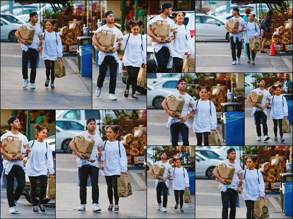 """'""""17.03.16''' ─ Ari Grande quittant le Whole Foods, en compagnie de son petit-ami Ricky Alvarez, à Studio City. Pour cette petite sortie entre amoureux, la chanteuse a opté pour une tenue ultra décontractée. Il n'en faut pas plus pour aller faire quelques courses ![/alig fen]"""