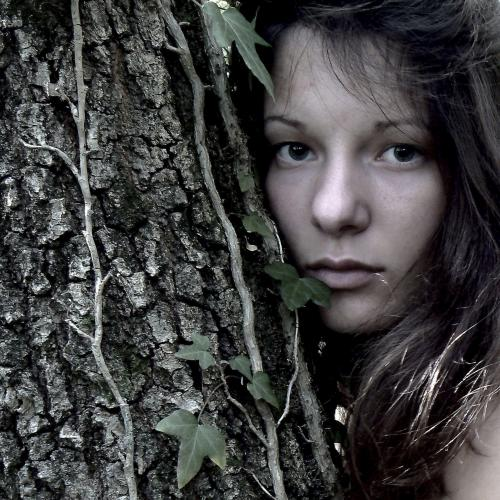 'Photographie' 'Mathilde'   __    Faut - il ?