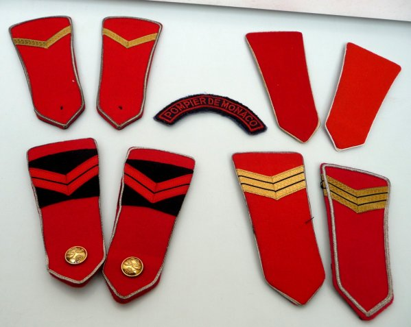 Epaulettes et ecusson de monaco collection insignes pompier - Ecusson monaco ...