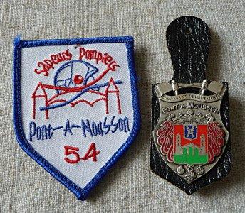 ECUSSON ET INSIGNE DE PONT A MOUSSON 54