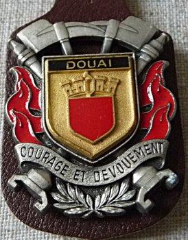 INSIGNE DE  JEUMONT ..DOUAI ... AUBY 59