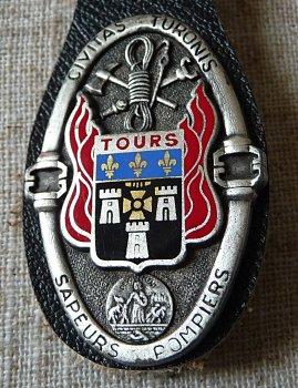 INSIGNE DE TOURS 37