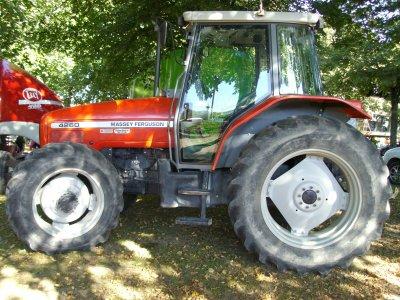 massey 4260 ET PRESSE Lely-Welger 435 farmer