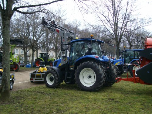 NEW HOLLAND  T6010 pailleuse KUHN  PRIMOR 5570
