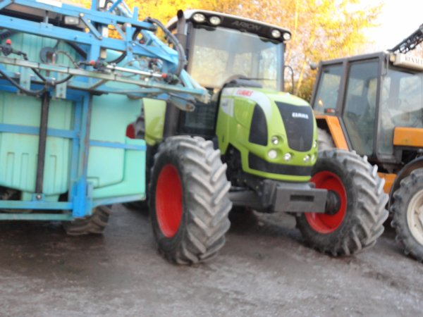 le claas  ares
