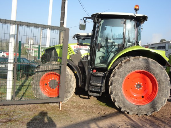 le claas arion 530