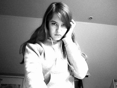 Une fille extraordinaire, une amie exceptionnelle a mes yeux, elle c ma Fofolle <3