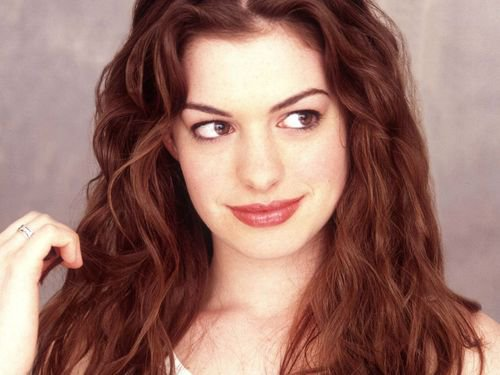 Article spécial: Anne Hathaway