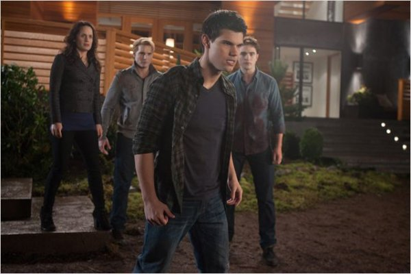 Twilight chapitre 4: Révélation 1ère partie. (2011)