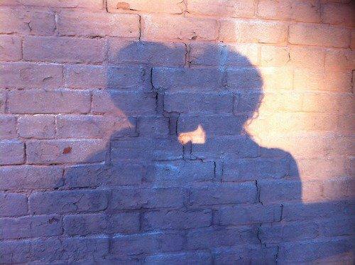 Je suis persuadée qu'à la base, l'amour est une farce qui a mal tourné.