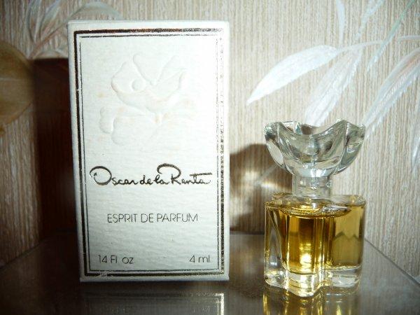 Oscar de la Renta   Esprit de Parfum
