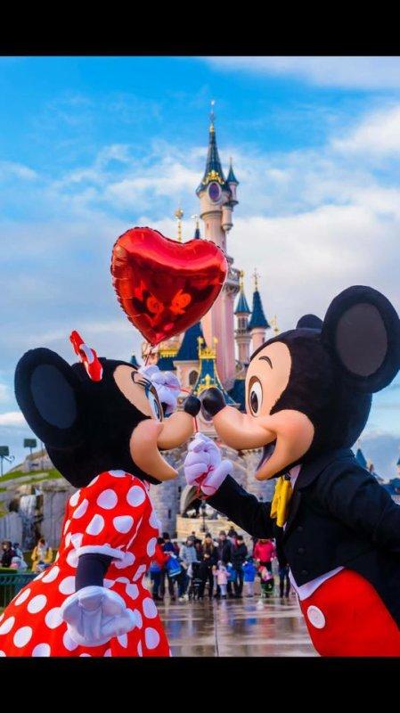 joyeux saint valentin a tous les amoureux qui visite ce blog