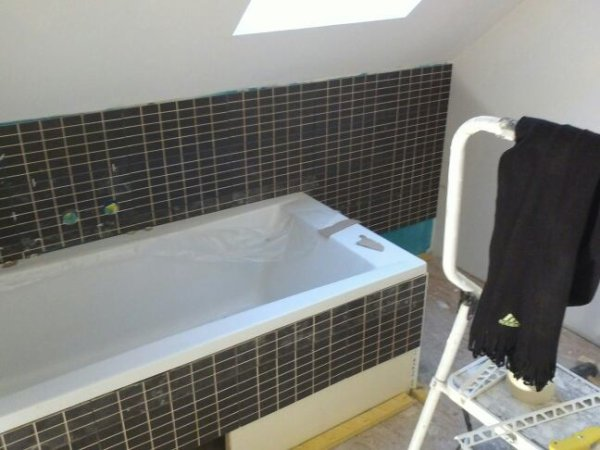 Jeudi 15 novembre joint carrelage cellier suite for Joints carrelage salle de bain