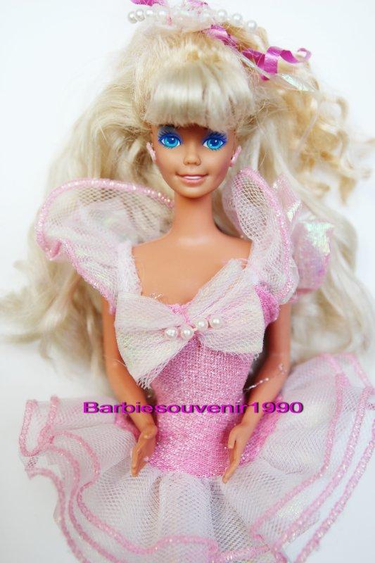 Barbie pretty surprise 1993