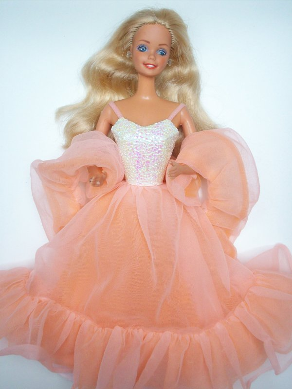 Barbie peaches n cream 1985