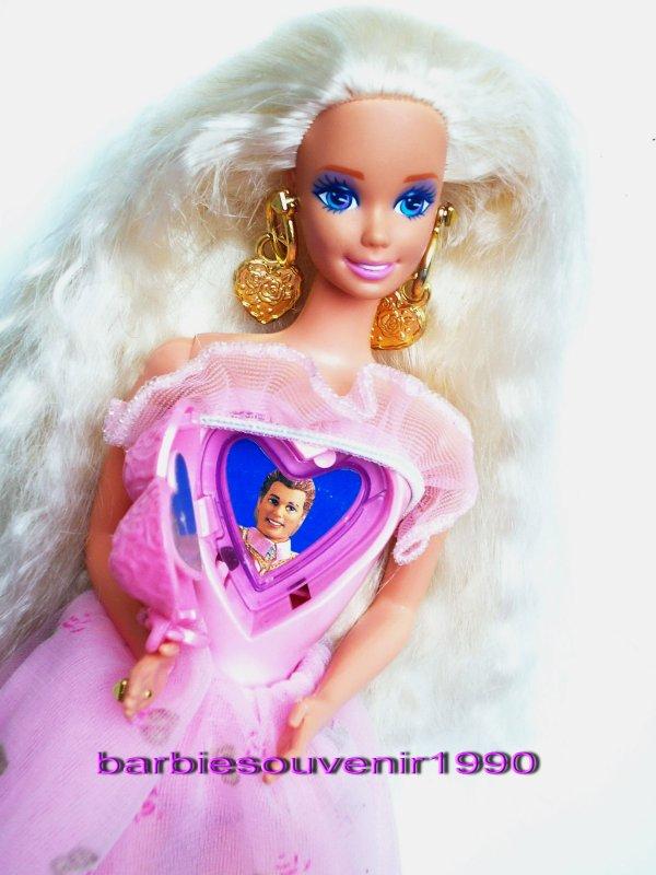 Barbie locket surprise 1994