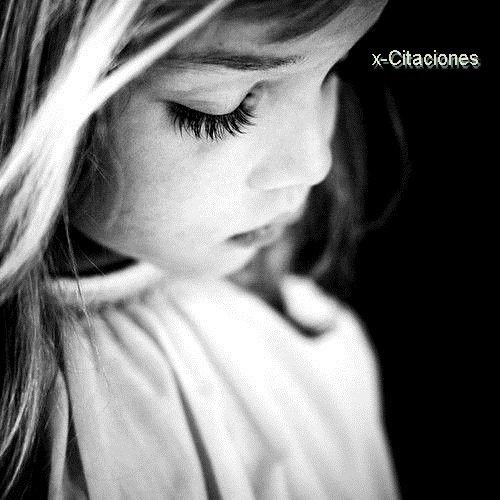 Je reverais d'être encore une enfant , pour encore croire que la vie est un conte de fée .