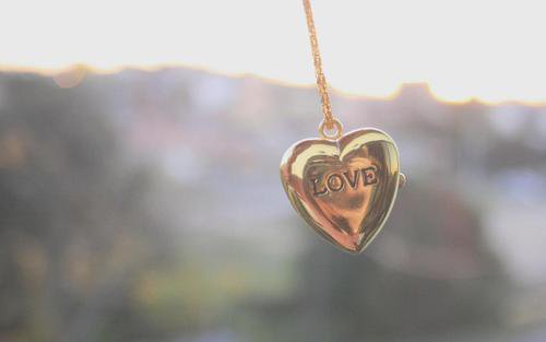 À toutes ces âmes perdues qui ont oublié de croire en l'immensité de l'Amour.