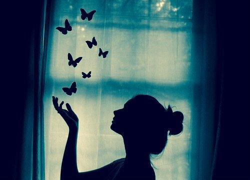 Moi, j'ai envie de croire aux contes de fées. Au moins, tout finit bien dans ces histoires là.