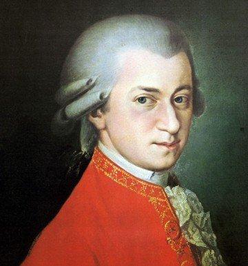 Mikelangelo Loconte et Wolfgang Amadeus Mozart.