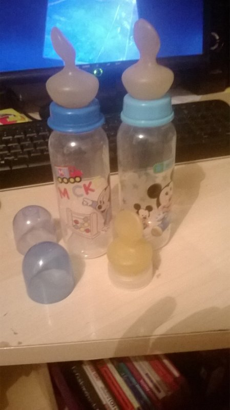 VENDS LOT DE 2 BIBERONS ADULT BABY