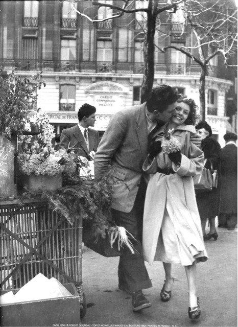 """Il y a une façon d'embrasser qui veut dire """"je t'aime"""" et une façon d'embrasser qui veut dire """"aime-moi""""."""