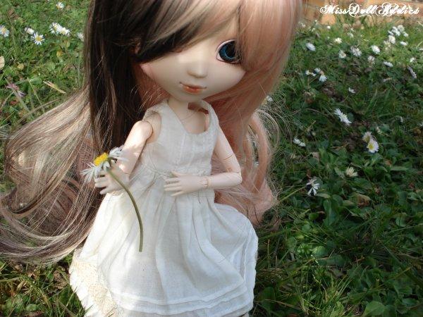 Eida dans le jardin :D