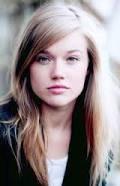jemima west as isabelle lightwood dans the mortal instruments <3