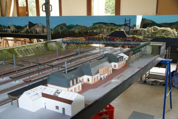 Voici quelques photos de la Gare de Vierzon et son pont de Toulouse en construction à mon club (Rail Club Vierzonnais)